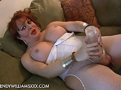 Busty tgirl Wendy Williams banging her new IceJack